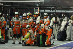 Sahara Force India F1 Team await a pit stop