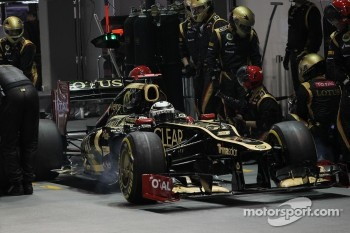 Kimi Raikkonen, Lotus F1 makes a pit stop