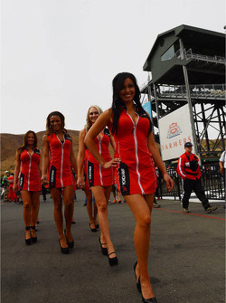 Autograph session, Grid Girls