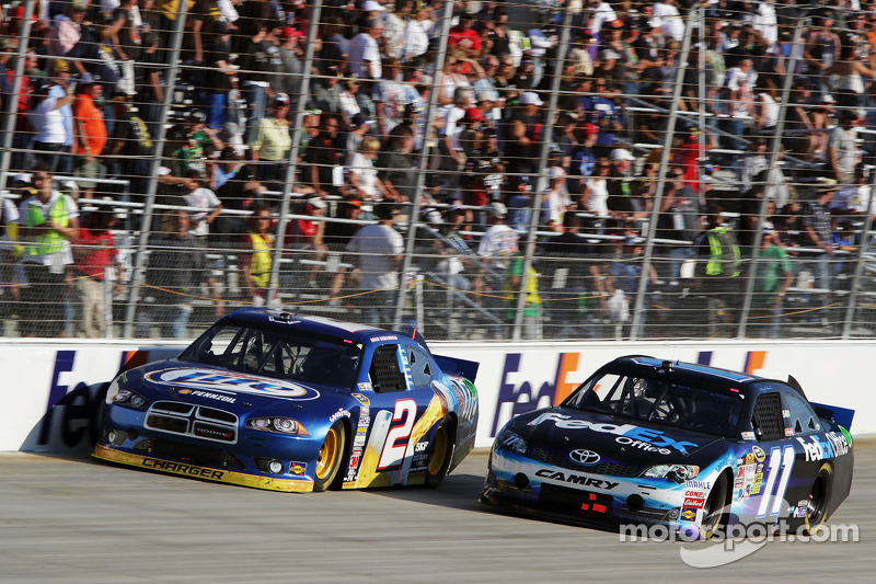 Brad Keselowski, Penske Racing Dodge and Denny Hamlin, Joe Gibbs Racing Toyota