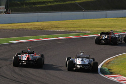 Bruno Senna, Williams and Charles Pic, Marussia F1 Team battle for position