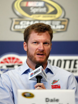 Dale Earnhardt Jr., Hendrick Motorsports Chevrolet announces he will not compete at Charlotte or Kansas due to concussion