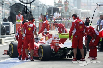 Fernando Alonso, Ferrari in the pits