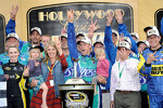 Victory lane: winner Matt Kenseth, Roush Fenway Racing Ford