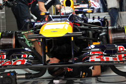Sebastian Vettel, Red Bull Racing has car worked on