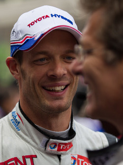 Alexander Wurz talking to Ralf Jüttner