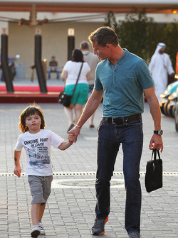 David Coulthard, Red Bull Racing and Scuderia Toro Advisor / BBC Television Commentator with his son Dayton Coulthard