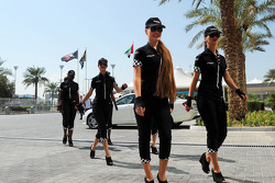 Etihad grid girls