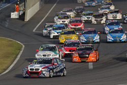 Start of the race, Tom Coronel, BMW 320 TC, ROAL Motorsport