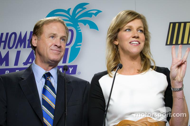 Championship contenders press conference: presenters Rusty Wallace and Krista Voda