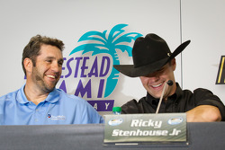 Championship contenders press conference: Elliott Sadler, Richard Childress Racing Chevrolet, Ricky Stenhouse Jr., Roush Fenway Ford