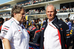 Norbert Haug, Mercedes Sporting Director with Dr Helmut Marko, Red Bull Motorsport Consultant on the grid