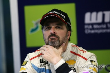 Press conference, Yvan Muller, Chevrolet Cruze