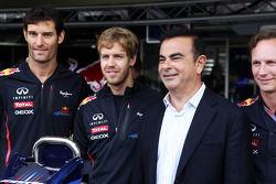 Red Bull Racing announce Infiniti as a title sponsor for 2013, Red Bull Racing; Sebastian Vettel, Red Bull Racing; Carlos Ghosn, CEO Renault-Nissan; Christian Horner, Red Bull Racing Team Principal