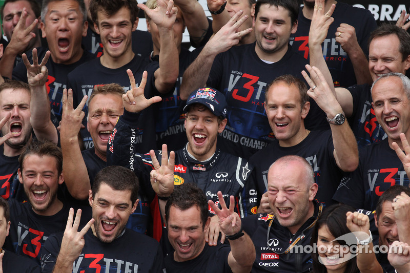 Sebastian Vettel, Red Bull Racing celebrates with the team and Adrian Newey, Red Bull Racing Chief Technical Officer and Christian Horner, Red Bull Racing Team Principal