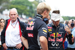 Sebastian Vettel, Red Bull Racing and Dr Helmut Marko, Red Bull Motorsport Consultant on the grid