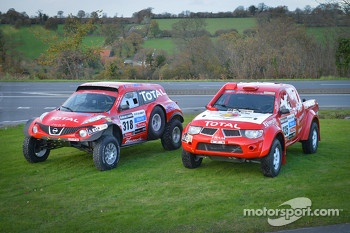 #318 Nissan Juke Buggy: Christian Lavielle and Jean-Michel Polato and #335 Nissan Proto Dessoude: Frédéric Chavigny and Guy Leneveu