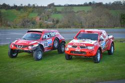 #318 Nissan Juke Buggy: Christian Lavielle and Jean-Michel Polato and #335 Nissan Proto Dessoude: Frédéric Chavigny and Guy Leneveu