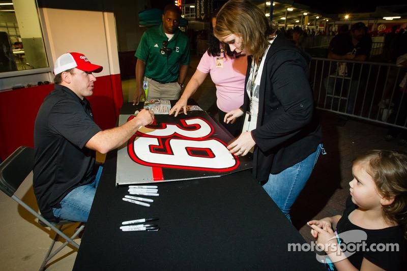 Ryan Newman, Stewart Haas Racing Chevrolet