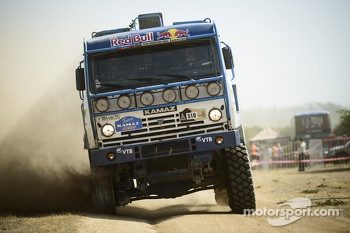#510 Kamaz: Andrey Karginov, Igor Devyatkin, Andrey Mokeev