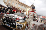 Podium: winner Sébastien Loeb, Citroën Total Abu Dhabi World Rally Team