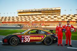 #30 MOMO/NGT Motorsport Porsche GT3: Henrique Cisneros, Sean Edwards