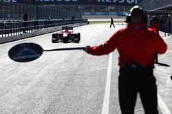 Luiz Razia, Marussia F1 Team MR02 in the pits