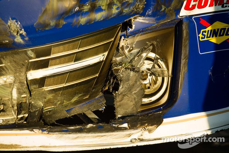 Damage on the car of Mark Martin, Michael Waltrip Racing Toyota
