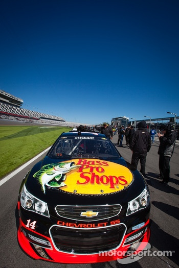 Car of Tony Stewart, Stewart Haas Racing Chevrolet, first in the qualifying line