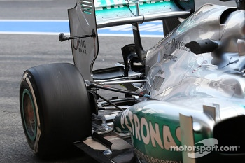 Mercedes AMG F1 W04 running sensor equipment on the rear wing