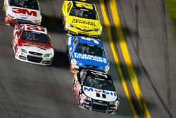 Tony Stewart, Stewart-Haas Racing Chevrolet leads the field