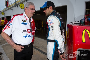 Leonard Wood and Aric Almirola, Richard Petty Motorsports Ford