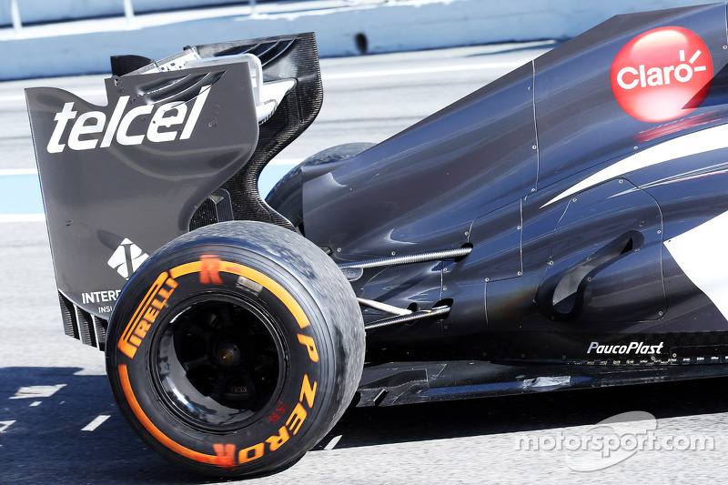 Sauber C32 engine cover