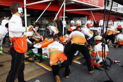 Adrian Sutil, Sahara Force India VJM06 practices pit stops