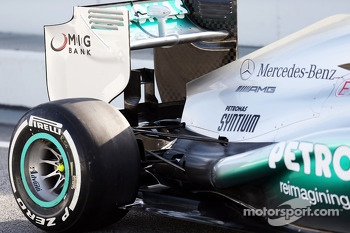 Mercedes AMG F1 W04 rear suspension and rear wing
