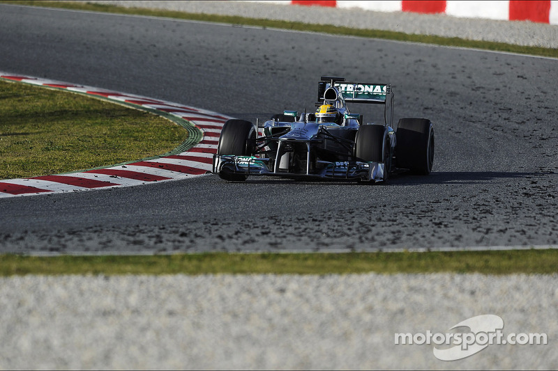 Lewis Hamilton, Mercedes AMG F1 W04 passes tyre marbles on the track