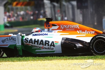 Paul di Resta, Sahara Force India VJM06 spins off the circuit