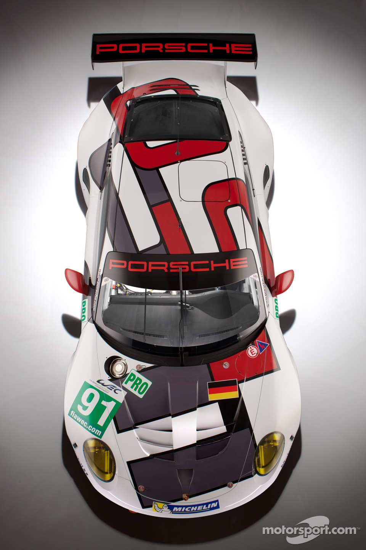 The 2013 Porsche 911 RSR
