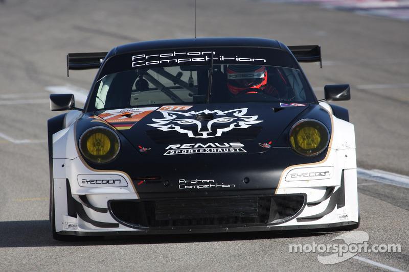 #77 Proton Competition Porsche 911 GT3 RSR: Christian Ried, Gianluca Roda, Paolo Ruberti