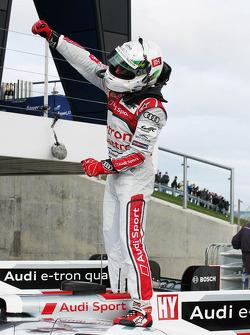 Allan McNish celebrates victory