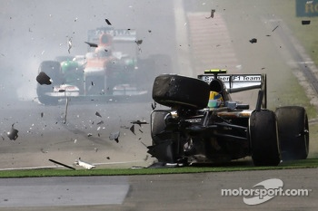 Big crash for Esteban Gutierrez, Sauber C32