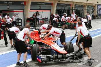Jules Bianchi, Marussia F1 Team MR02 and Max Chilton, Marussia F1 Team MR02 pushed pack in the pits