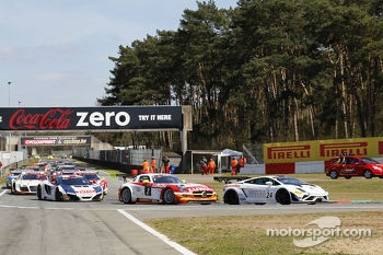 Pace laps: #24 Blancpain Reiter Lamborghini LP600+: Peter Kox, Stefan Rosina on pole