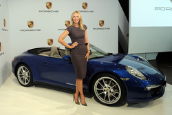 Tennis idol Maria Sharapova to represent Porsche