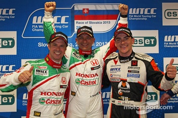 Press conference, Tiago Monteiro, Honda Civic Super 2000 TC, Honda Racing Team Jas, Gabriele Tarquini, Honda Civic, Honda Racing Team J.A.S. and Norbert Michelisz, Honda Civic, Zengo Motorsport