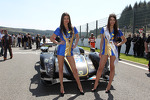 lovely-grid-girls-179