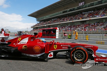 Fernando Alonso, Ferrari leaves the pits