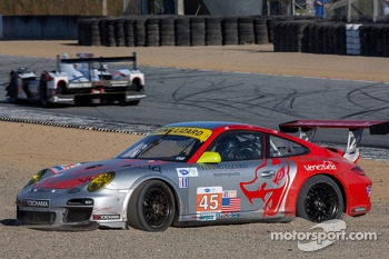 #45 Flying Lizard Motorsports Porsche  beached