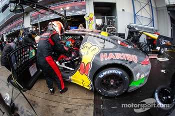 Pit stop for #8 Haribo Racing Team Porsche 911 GT3 R (SP9): Richard Westbrook, Emmanuel Collard, Mike Stursberg, Hans Guido Riegel