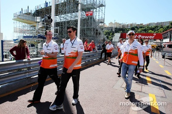 Adrian Sutil, Sahara Force India F1 walks the circuit with Bradley Joyce, Sahara Force India F1 Race Engineer (Centre)